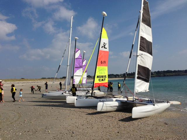 Sailing sessions at  the Club Nautique du Rohu