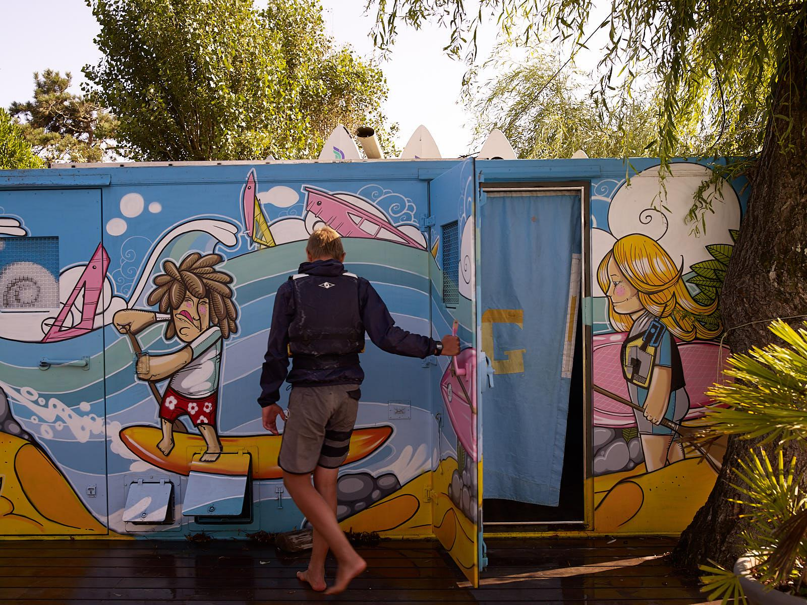 Club Nautique du Rohu - The new lockers rooms with a creative decoration