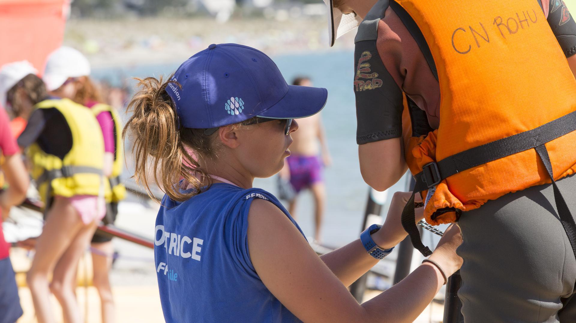 Préparation des Funboat au Club Nautique du Rohu