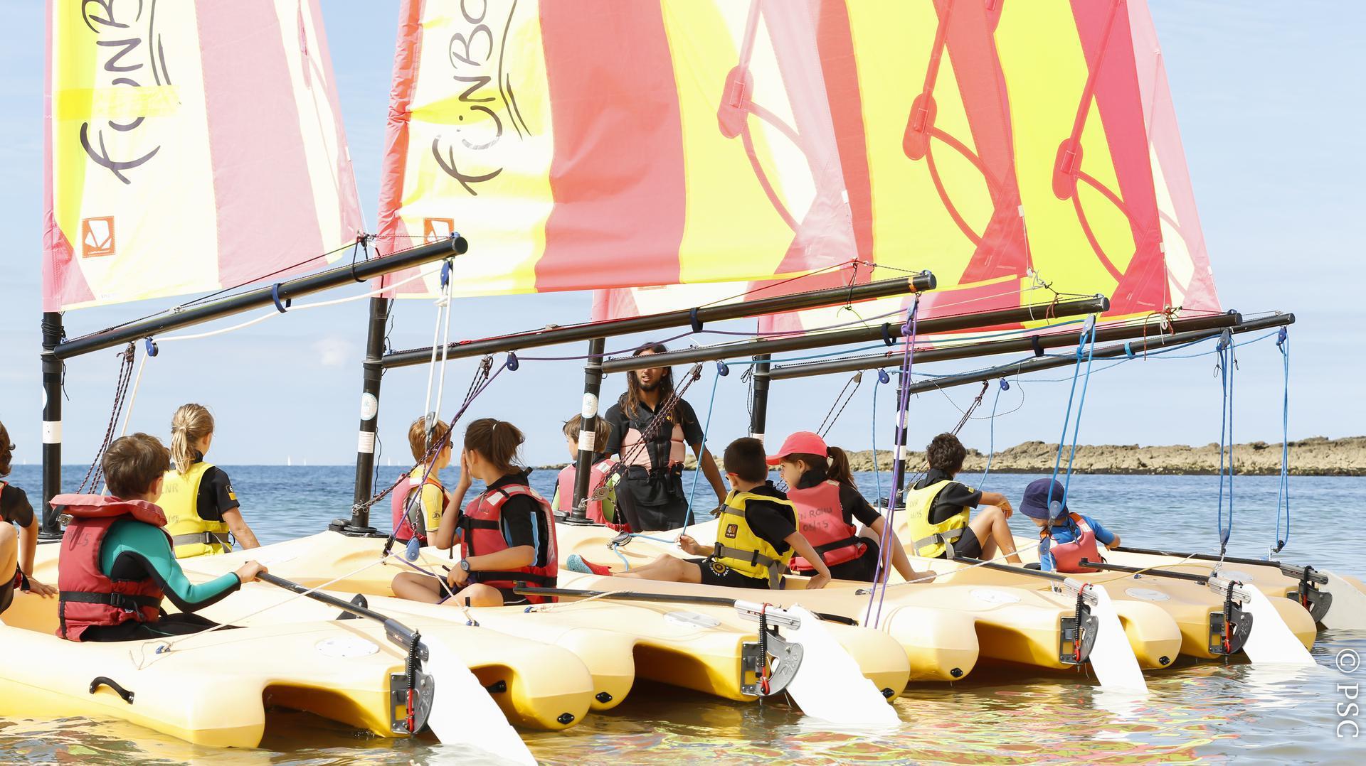 Départ en Funboat au Club Nautique du Rohu