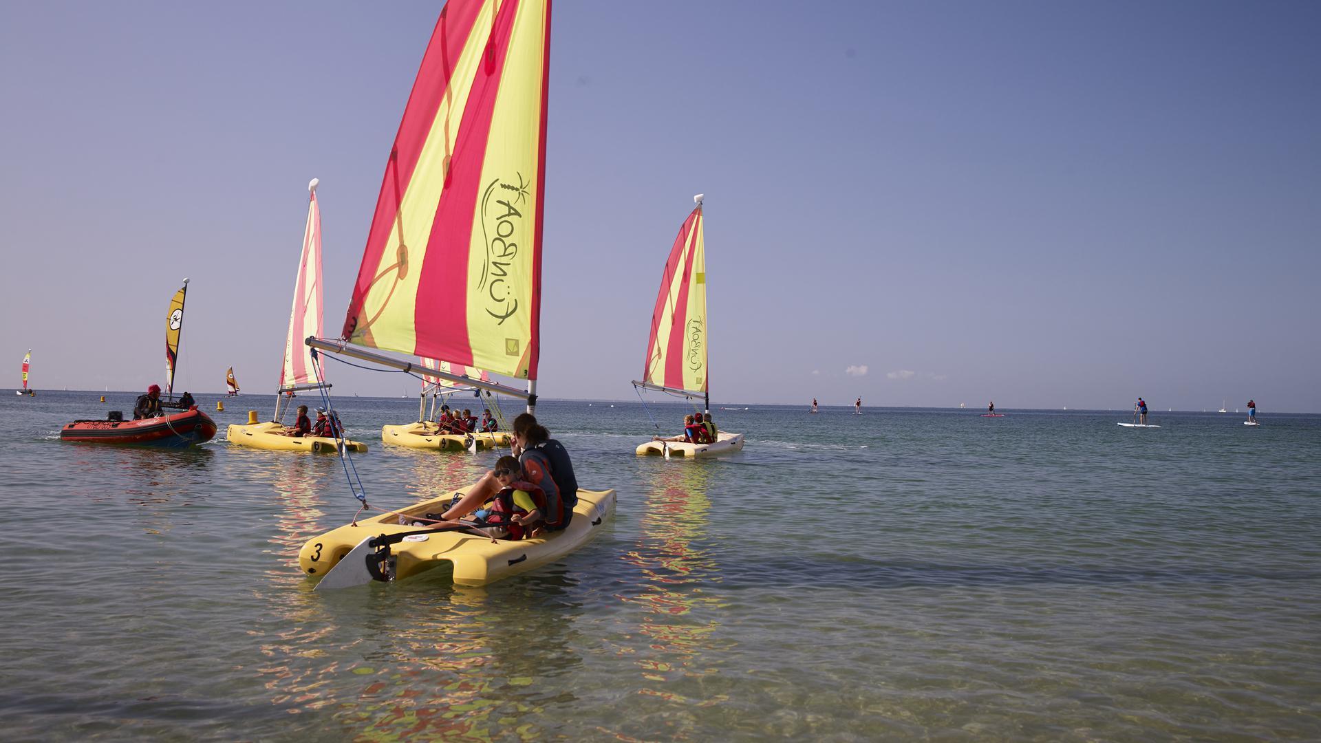 Départ du cours de Funboat au Club Nautique du Rohu