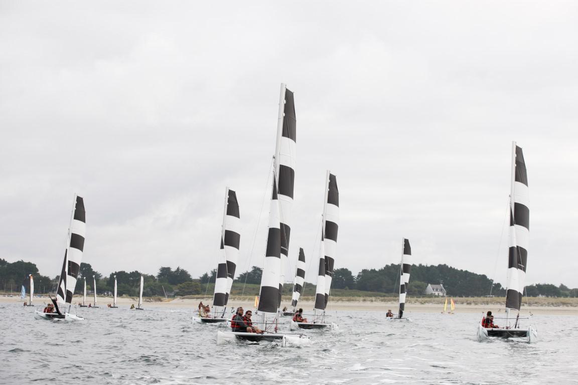 Catamaran Dart 16 au Club Nautique du Rohu