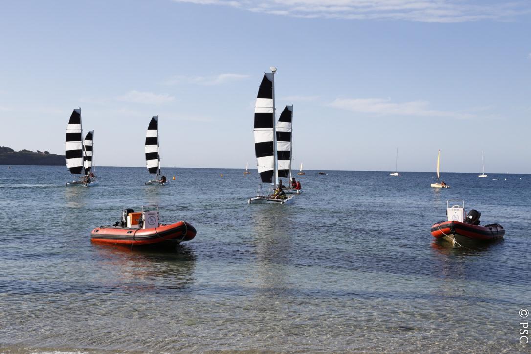 Club Nautique du Rohu - Départ des catamarans Dart 16