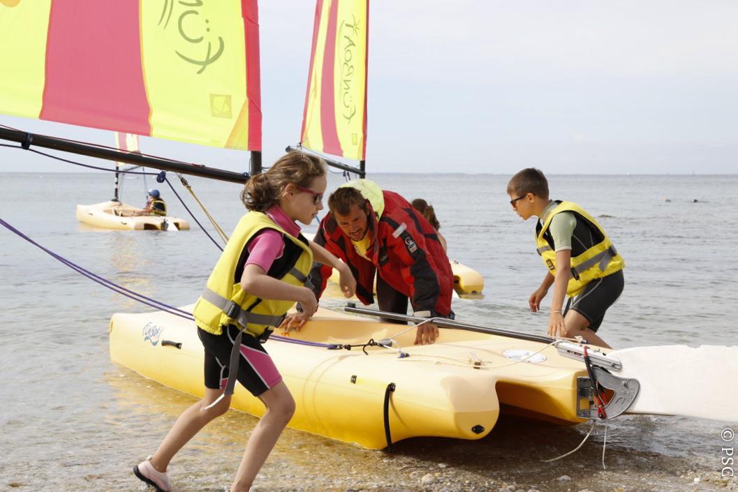 Club Nautique du Rohu - Départ des Funboat avec Hugo